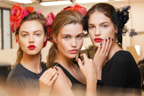 BEAUTY BACKSTAGE ПОКАЗА CHANEL METIERS D'ART PARIS
